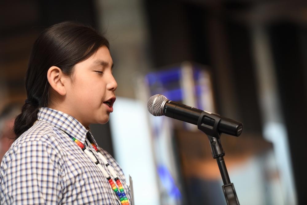 Beau Singing